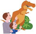 博物館で恐竜の模型を見る親子